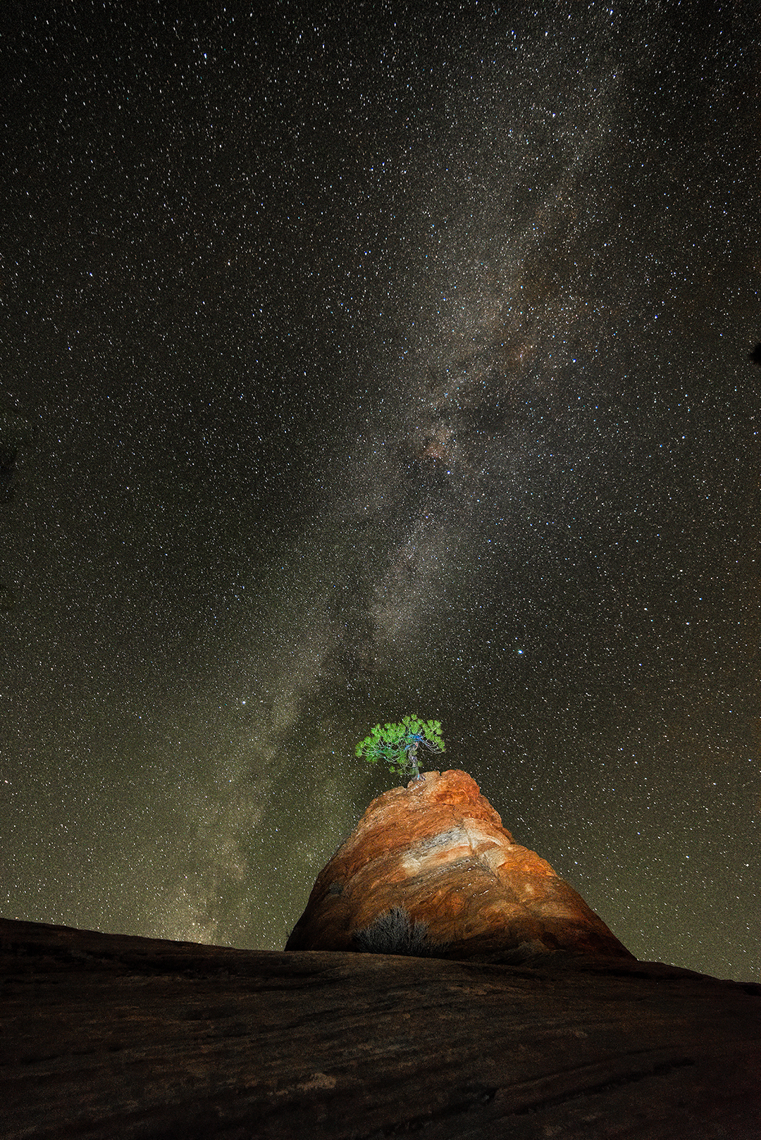 Milky way over Lone Pine